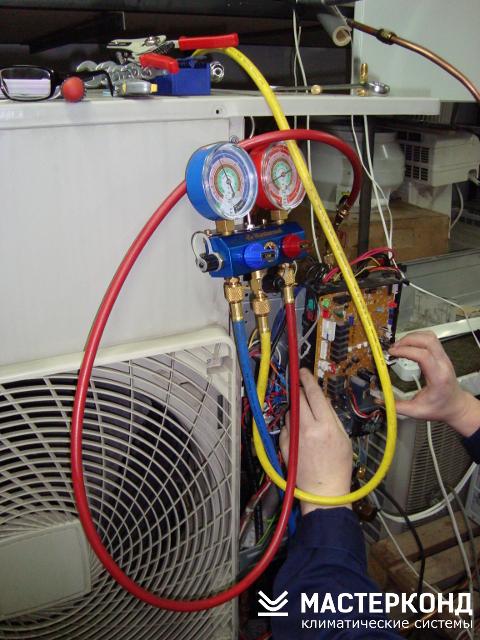 Диагностика и ремонт внешнего блока кондиционера Daikin в мастерской
